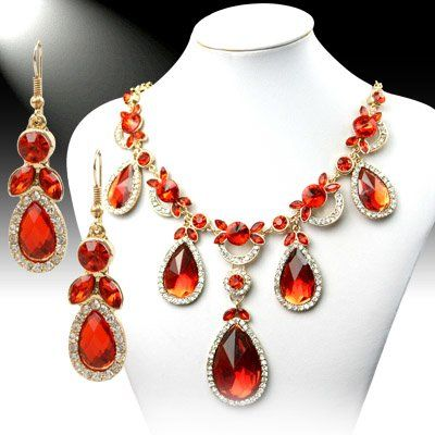 DL385302 Teardrop Crystal Necklace Set