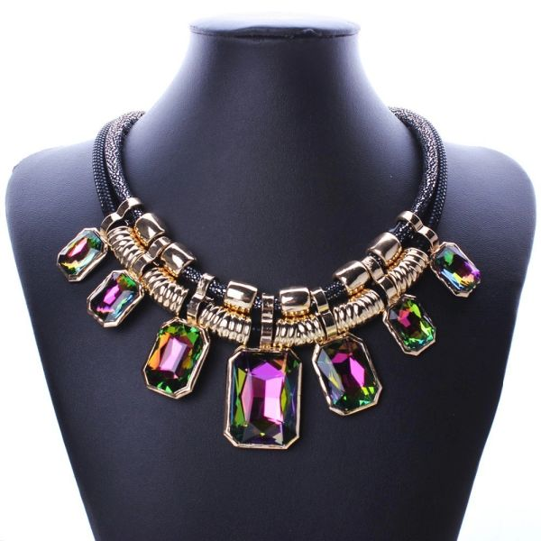 532899 Iridescence Gems Round-Neck Choker Necklace