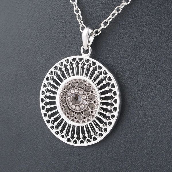 Classic Allloy Pendant Necklace