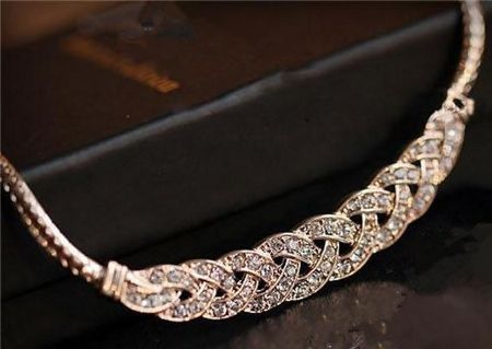 532179 Sleek Twisted Rhinestone Choker Necklace