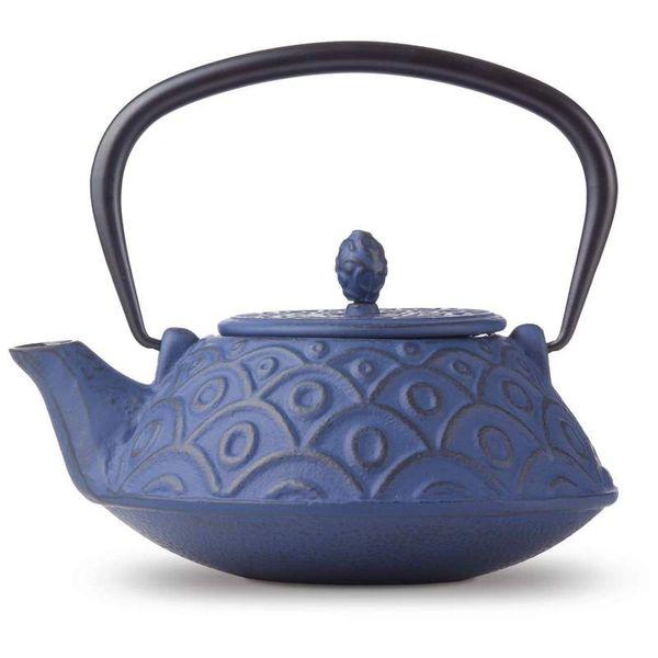0104 Cast Iron Ornate Teapot