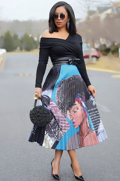 551180 Woman face in the Skirt