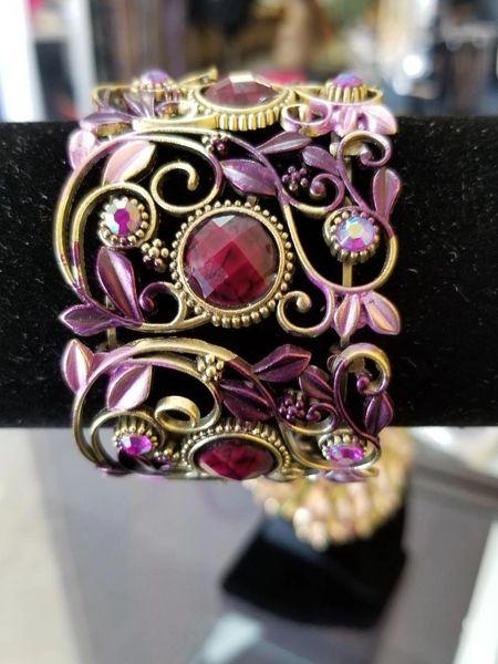 532193 Vintage design scroll bracelet