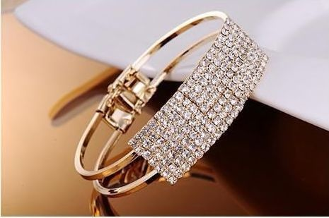 532087 Rhinestone Gold Finish Bracelet