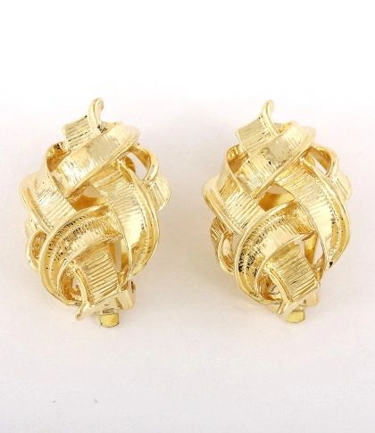 Love Knot Gold Clip-on Earrings