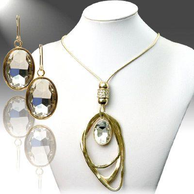 Oblong Pendant Necklace