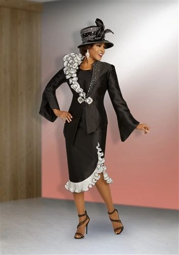 Diva Fashion Suits in Ruffles and Curves