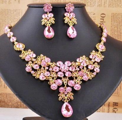 30248961 Mauve Crystal Lace Necklace Set