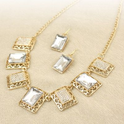 Hollow Square Shaped Gem Necklace