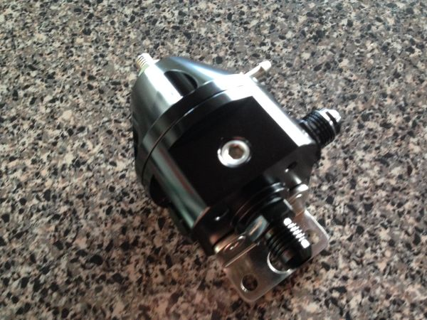 Adjustable Fuel Pressure Regulator Black 1:1 Rise