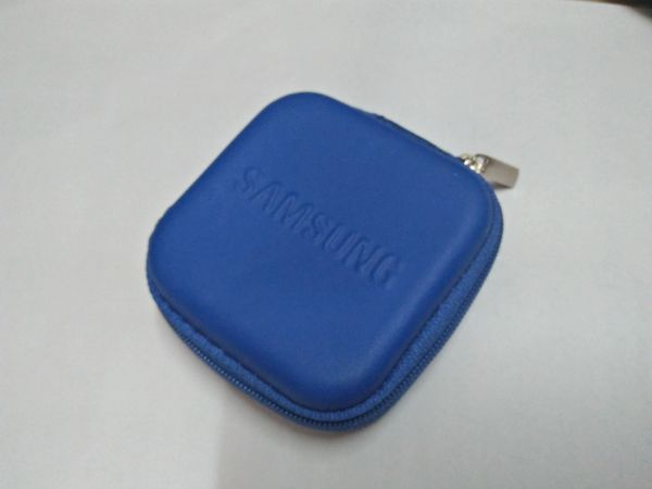 Samsung Blue Earphone Pouch