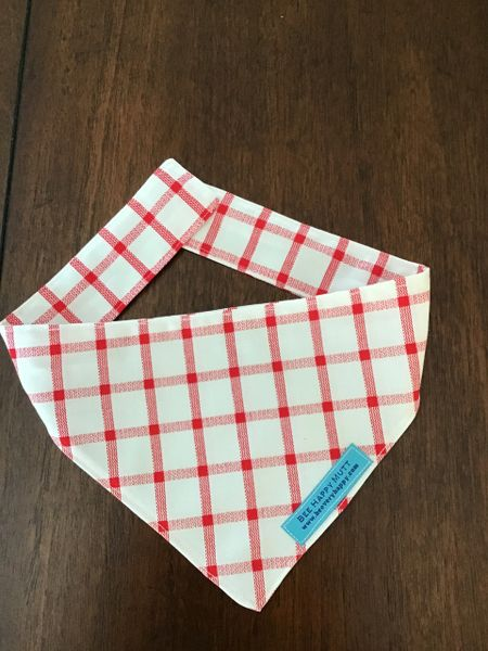 Red and white dog neckerchief 21 inches