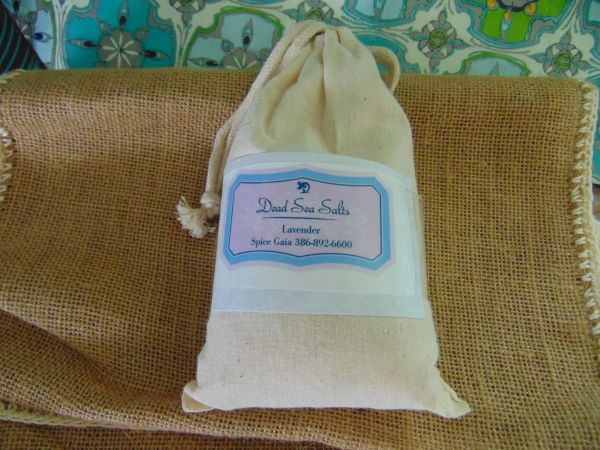 Lavender Dead Sea Salts in Muslin Bag 1 lb