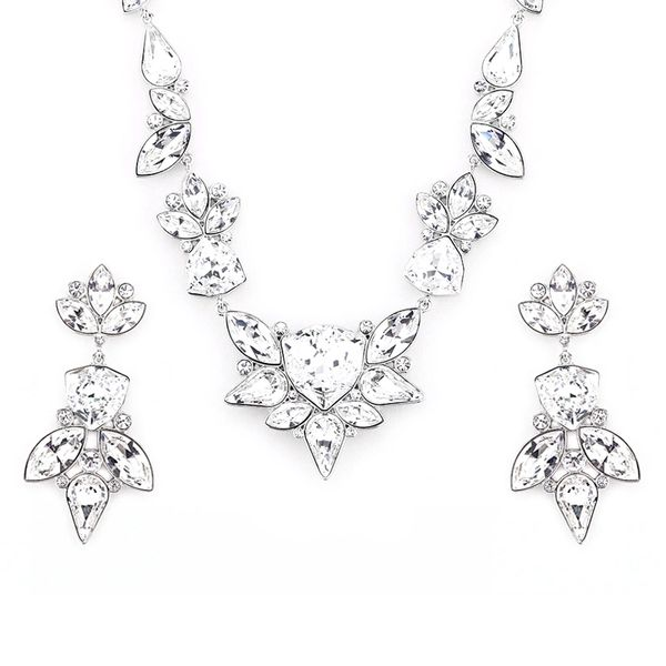 Elegant Silver Earrings & Necklace Set Made With Crystals From Swarovski