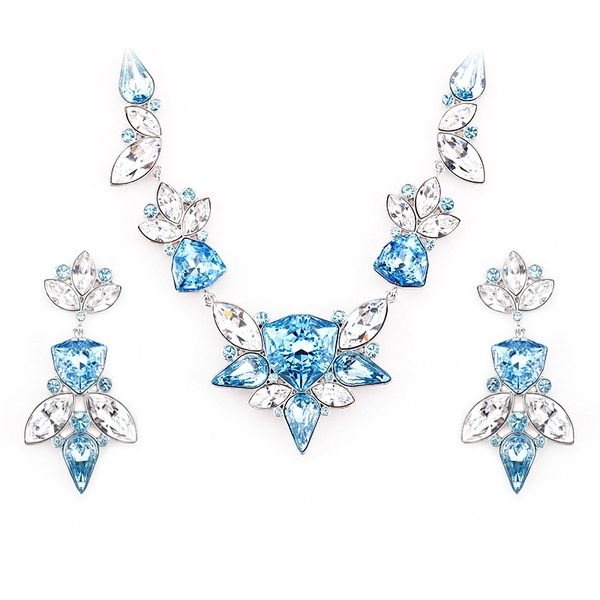 Elegant Blue Earrings & Necklace Set Made With Crystals From Swarovski