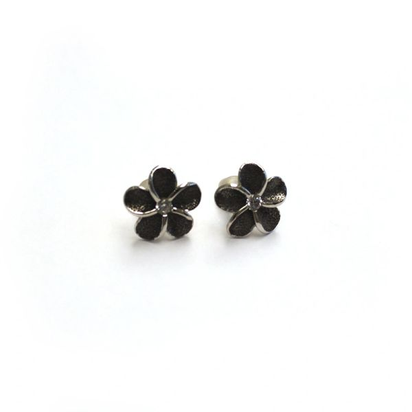 925 Sterling Silver Flower Earrings Made With Crystals from Swarovski