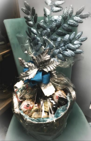 Royal Treatment Gift Basket-15 Piece