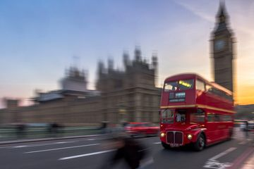 London bus outside Palace of Westminster, Parliament