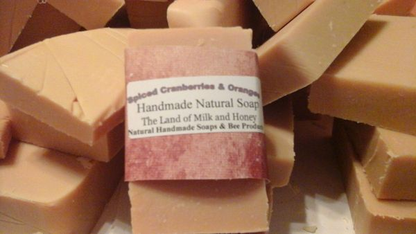 SPICED CRANBERRIES AND ORANGES HANDMADE SOAP