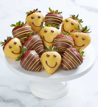 Chocolate Covered Strawberries - 12 ct in a Gift Box - Smiles