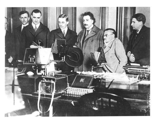 Einstein Photographic Prints, Zionist Leaders, First Trip To U.S.