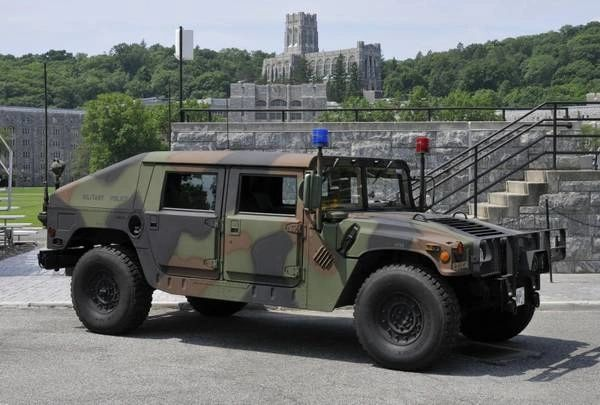 1993 HUMMER H1 -- HUMV1044 -- Military Police Appearance -- Like New Condition