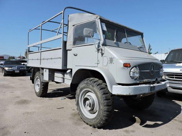 1962 Mercedes-Benz UNIMOG - Troop Carrier Model