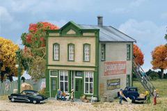 Walthers Cornerstone HO Scale River Road Mercantile