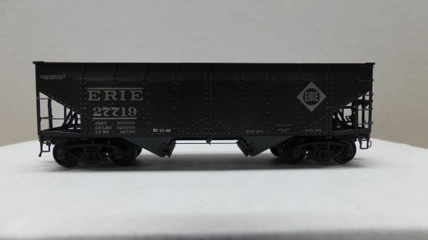 Intermountain Railway Ho Scale 50 Ton AAR Alternate 2 Bay Open Hopper Erie #27719 Weathered