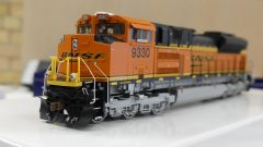 Athearn Genesis Ho Scale SD70ACe BNSF DCC Ready