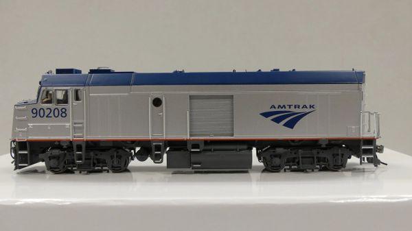 "Rapido Ho Scale Amtrak ""Cabbage"" NPCU Ph. V W/ Ditchlights DCC Ready"
