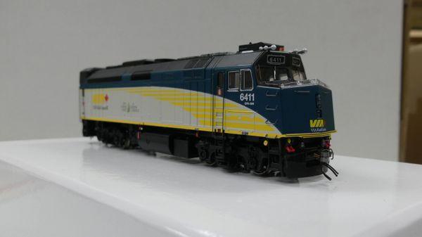 """Rapido Ho Scale Via Rail F40PH-2D Rebuilt """"Renaissance"""" DCC Ready"""