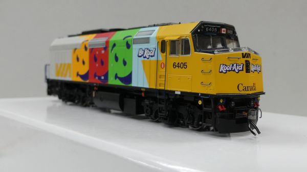 "Rapido Ho Scale Via Rail F40PH-2D ""Koolaid"" DCC & Sound"