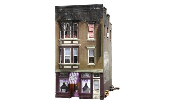 Woodland Scenics HO Scale Built & Ready Betty's Burning Building