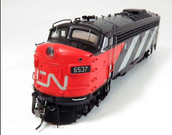 Rapido Ho Scale Canadian National Stripes/Noodle Scheme FP9A DCC & Sound