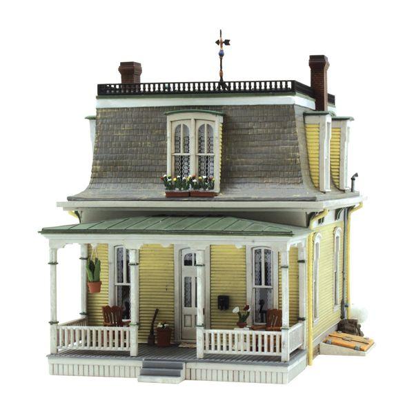 Woodland Scenics HO Scale Built & Ready Home Sweet Home