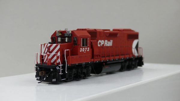 Athearn Genesis GMD GP38-2 Canadian Pacific DCC & Sound W/ Ditchlights