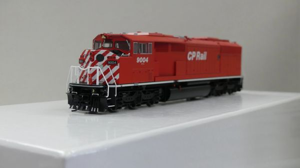 Bowser Ho Scale (2nd Run) SD40-2F CP Rail Round Port Hole & White Sill W/Ditchlights DCC & Sound
