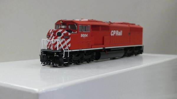 Bowser HO Scale (2nd Run) GMD SD40-2F CP Rail Round Port Hole & White Sill W/ Ditch Lights DCC Ready