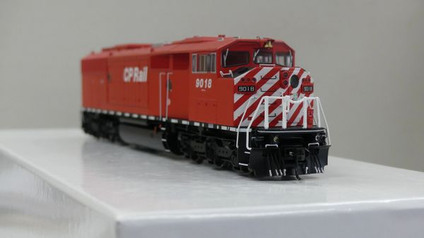 Bowser Ho Scale (2nd Run) SD40-2F CP Rail Round Port Hole & Sill Dashes W/Ditchlights DCC & Sound