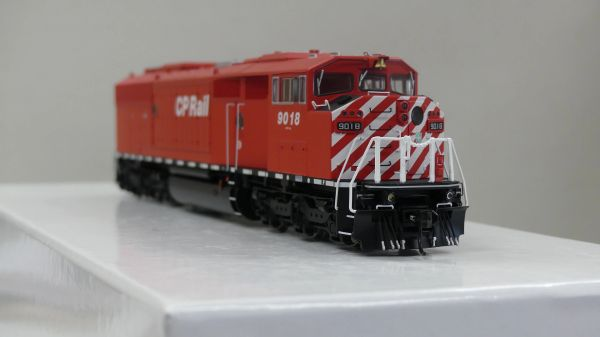 Bowser HO Scale (2nd Run) GMD SD40-2F CP Rail Round Port Hole & Sill Dashes W/ Ditch Lights DCC Ready
