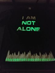 I'M NOT ALONE TEE