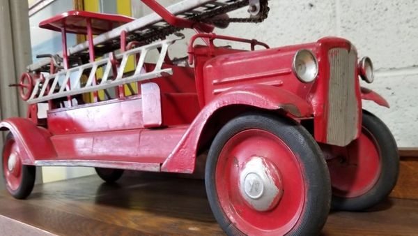 Large-Scale Keystone Ride-On Toy Fire Truck