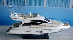 """Azimut 40 Modern Yacht 24"""""""
