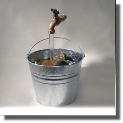Galvanized Bucket Floating Faucet Fountain