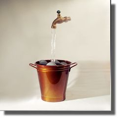 Caramel Apple Bucket Floating Faucet Fountain