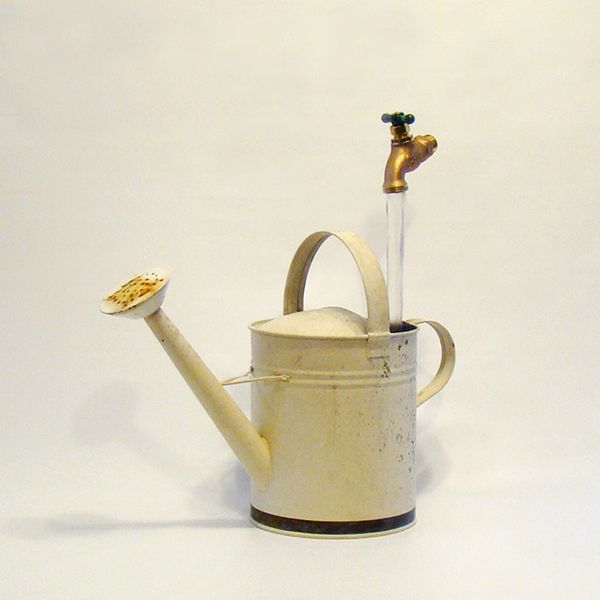 Reclaimed - Off White Watering Can Fountain