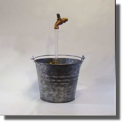 OverSized Galvanized Bucket Floating Faucet Fountain
