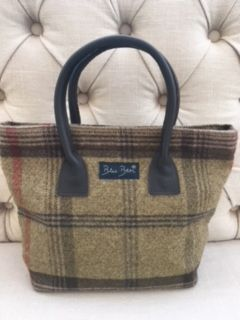Blu Beri Tweed Handbag - W06