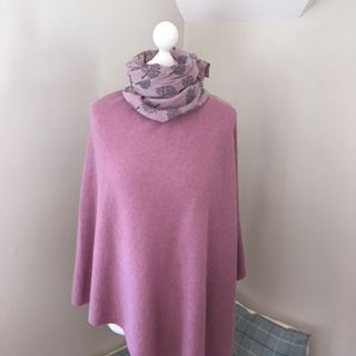 Italian Cashmere Blend Poncho - Rose Pink